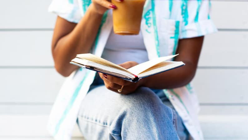 3 best online book clubs you need to know